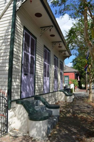 New Orleans door fronts